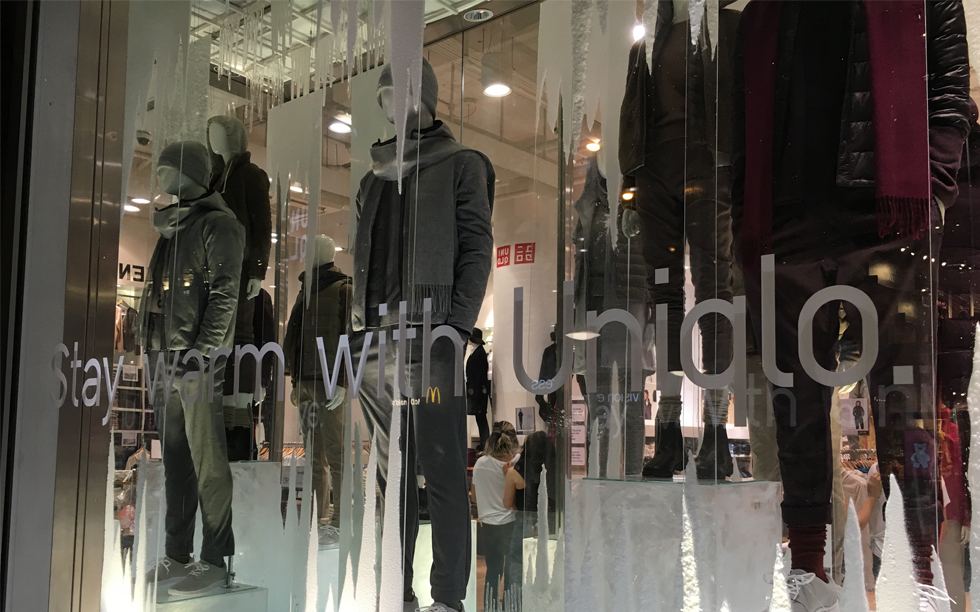 UNIQLO-311-OXFORD-STREET-WARM-WINDOW