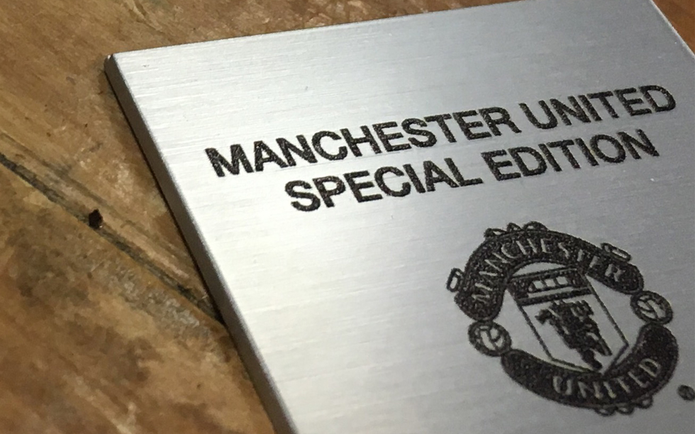 manchester-united-timepiece-limited-edition-plates-2017