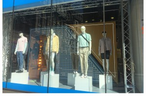Window and In-Store Visual Merchandising Design